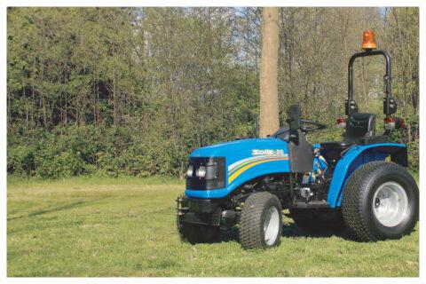 Solis 20 Traktor mit Rasenbereifung